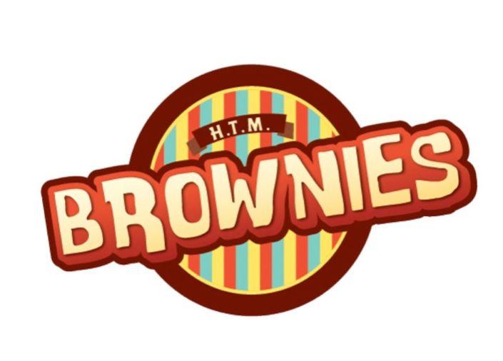 Se creó el logotipo para un nuevo negocio local de venta de Brownies personalizados, además de blondies, helados y demás productos relacionados.  Se utilizó colores brillantes además del café del chocolate y una tipografía divertida para atraer a los jóvenes y dar a entender que es un lugar donde pueden reunirse en familia