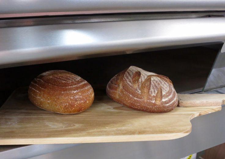 Panes saliendo del horno #alucinabread