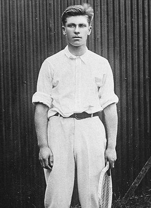 Karl Behr - The incredible story of two Titanic survivors and tennis icons - including one who refused to have frostbitten legs amputated and won U.S. Open TWICE http://www.dailymail.co.uk/news/article-2114202/Titanic-survivors-tennis-icons-Karl-Behr-Richard-Williams-incredible-story.html