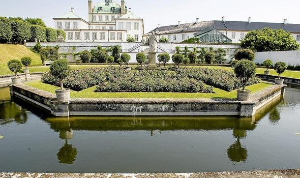 Fredensborg slot - royal residence of the queen