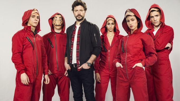Netflix Sets Overall Deal With La Casa De Papel Creator Alex Pina Actor Picture It Cast Actors