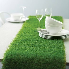 Artificial grass table runner ~ mad hattter table decorations ~ Alice in wonderland birthday ideas ~ party ~ contemporary table setting