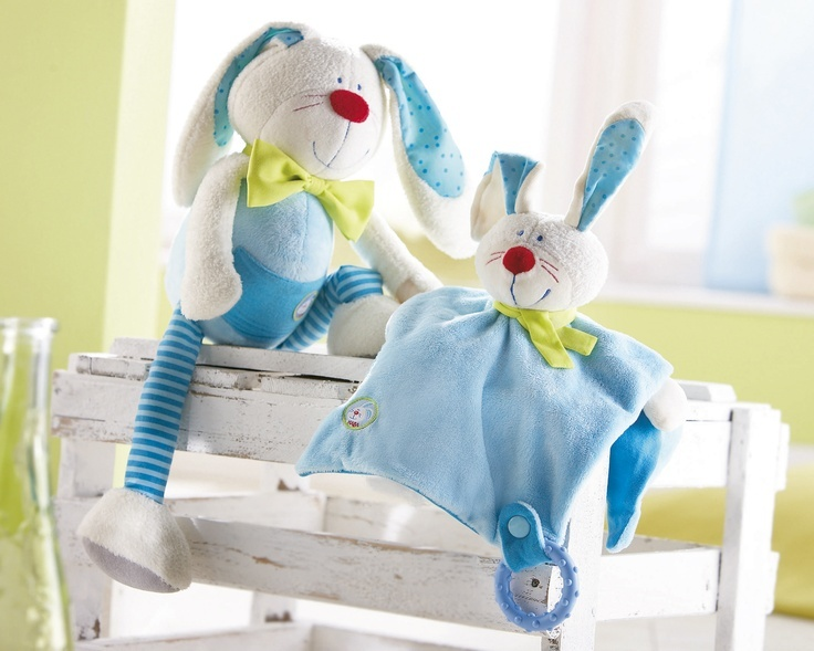 Handrička na maznanie Zajko Hugo - Mäkký zajačik na maznanie je jedinečný kúsok látky pre najmenších: na maznanie, ukľudnenie a milovanie.