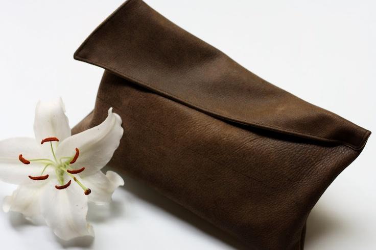 leather clutch: Diy Fashion, Clutches Tutorials, Leather Clutches, Clutches Bags, Leather Jackets, Diy Clutches, Leatherclutch, Leather Bags, Clutches Pur