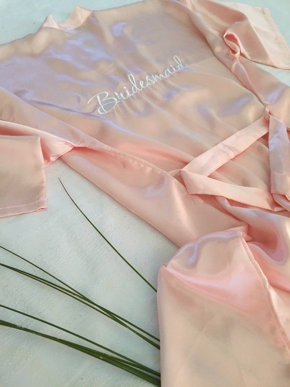These embroidered silky soft satin kimono bath robes are an absolute essential.  Share your day in style with your dearest bridesmaids whilst capturing beautiful moments. The colours are absolutely stunning when standing beside the bride.  A definite keepsake and must have!