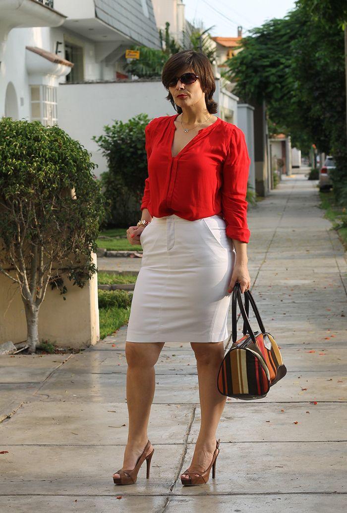 Divina Ejecutiva: Mis Looks - ¿Cómo uso mi falda blanca?