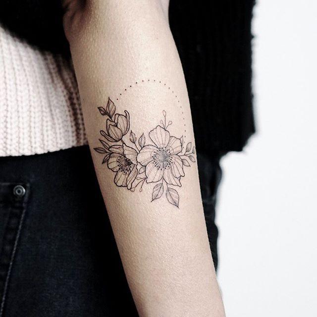 One Of Mine And Your Favourites From Last Year Made For Mia On Our First Walk In Day Im Looking Forward To Doi Esbocos De Tatuagem Tatuagem Feminina Tatuagem