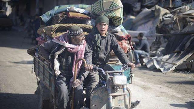 Hidupkan kembali kota al-Bab  Warga kembali ke tempat tinggalnya  Warga kota al-Bab Suriah mencoba menjalani kehidupan normal dengan masuk kembali ke kota itu. Al-Bab telah dibebaskan dari ISIS oleh angkatan bersenjata Turki dan Free Syrian Army (FSA) dalam Operasi Euphrate Shield. Jalan-jalan al-Bab terlihat mulai hidup anak-anak bermain dan toko-toko buka. Para penduduk berusaha mencari sisa barang-barang pribadi di bawah reruntuhan rumah mereka. Infrastruktur kota rusak berat selama…