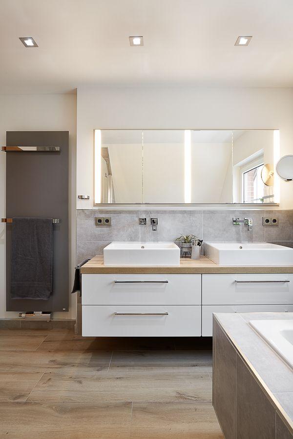 Optimale Lichtplanung fürs Badezimmer – eine Frage der richtigen Kombination.