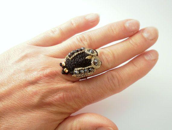 Owl ring anello gufo maxi ring black and gold di BarboraJewels