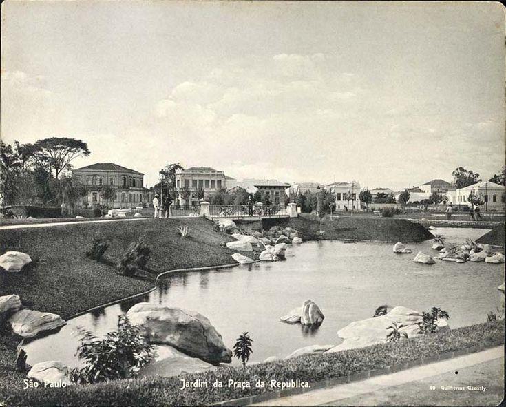 Jardim da Praça da República, também de c. 1910, em imagem de Guilherme Gaensly, acervo do Arquivo Público do Estado de São Paulo - Guilherme Gaensly