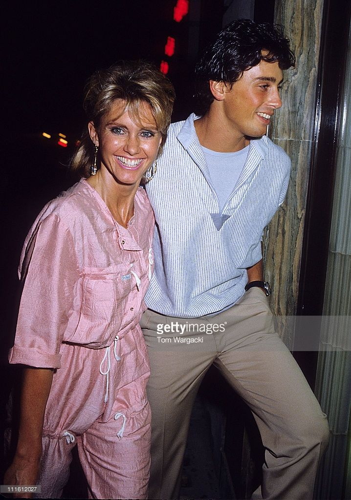 Olivia Newton John and husband Matt Lattanzi arrive at Langan's ...