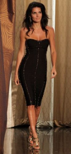 Love this dress. (Angie Harmon)