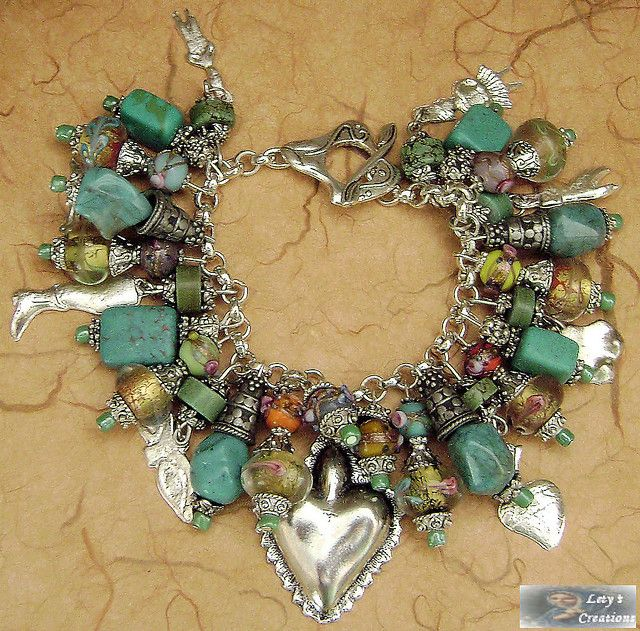 milagros. Remember yesterdays pin? just add a chin to each, and this can become a amazing necklace, of whatever length.