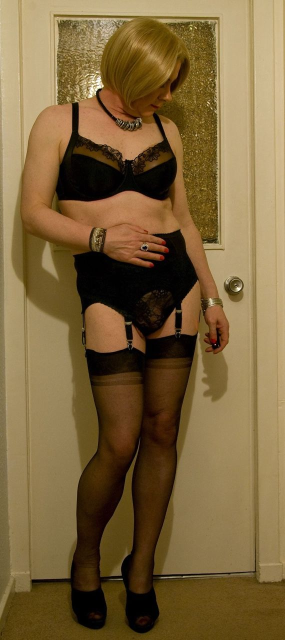 Screams! mature wives in stockings