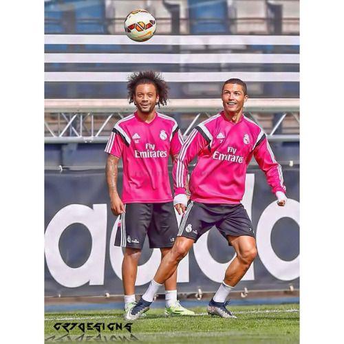 Real Madrid completed their last training session ahead of the game against Málaga tomorrow #cristiano #ronaldo #cr7 #cr7designs #vivaronaldo #halamadrid #realmadrid #riskeverything #crack #nike #mercurial