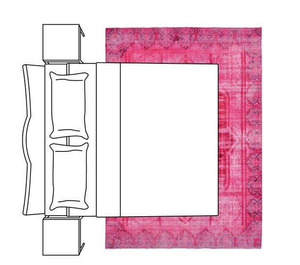 """m além da mesa. """"Se houver um barrado bonito, melhor dar ainda mais espaço ao redor da mesa, a fim de que o tapete seja visto"""", explica Monica Novaes, da By Kamy."""