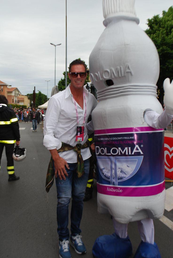 Mario Cipollini con Acqua Dolomia durante la Tappa 7 del Giro d'Italia 2014!