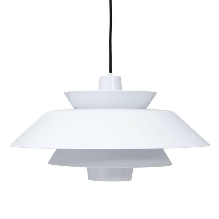 HK-Living heeft weer een top design lamp ontworpen. Echt een eyecatcher voor boven je tafel met z'n 50 cm doorsnee geen kleintje. De 'Lounge' hanglampen zijn ve