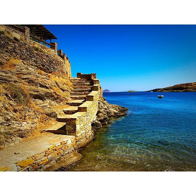 Lovely spot... Naousa, Kythnos island, Cyclades, Greece. - Selected by www.oiamansion.com