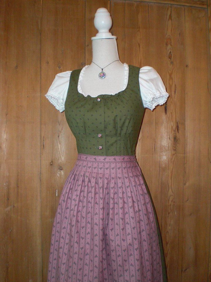 Historicum Dirndl Facebook Pages