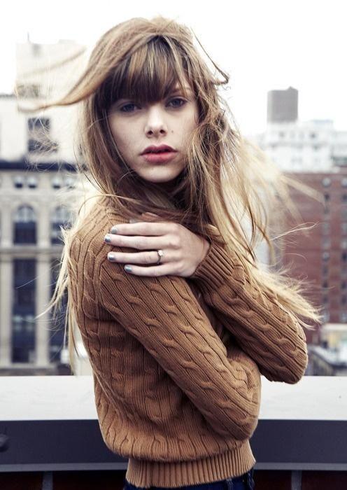 Długie włosy – grzywka