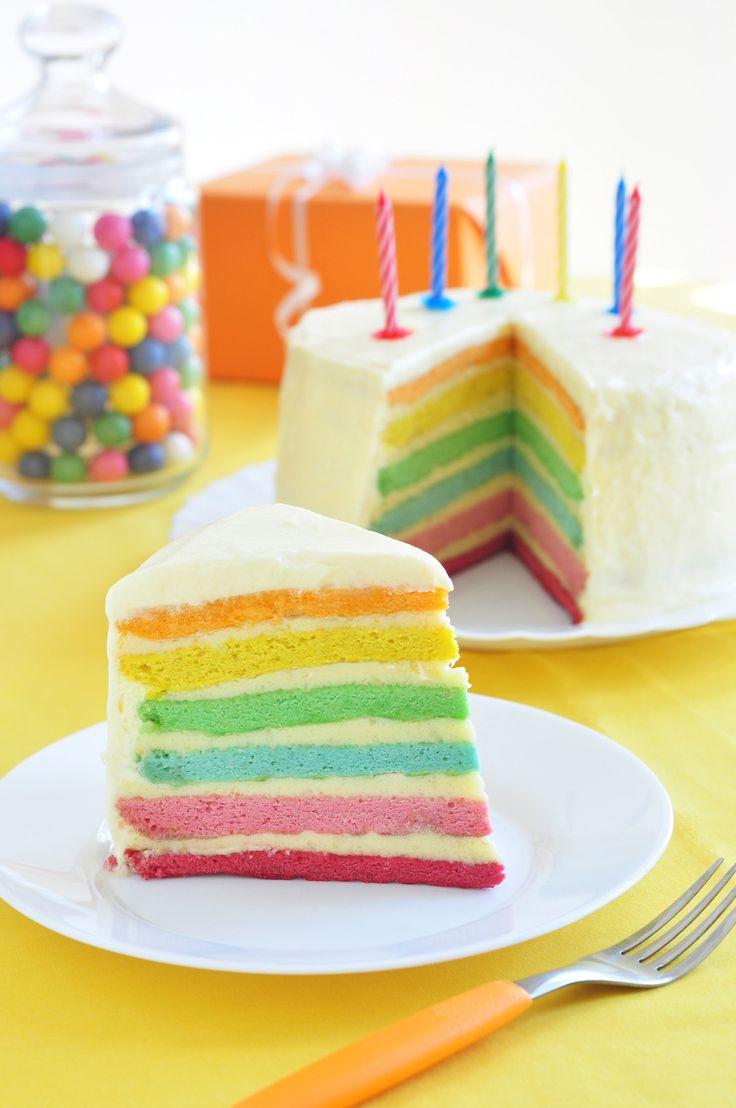 Regenbogenkuchen zum Geburtstag