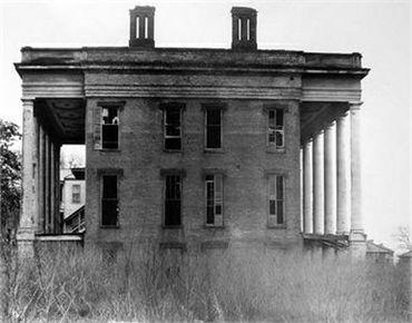 Abandoned Ante-Bellum Plantation House, Vicksburg, Mississippi 1936 photograph | gelatin silver print -- Source: http://www.sfmoma.org/explore/collection/artwork/11482#ixzz3i7P3O0Hj  San Francisco Museum of Modern Art