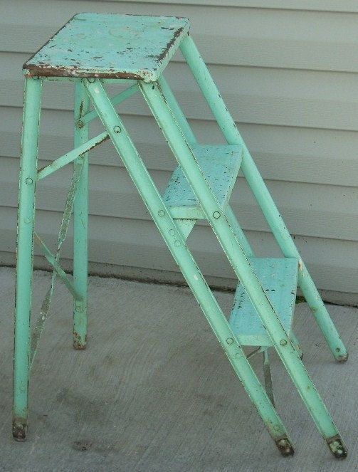 mom has this, since I was a kid! It is called the green stool even though it has not been green in YEARS!