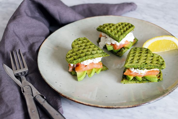Spinach waffles sandwich with salmon, avocado & cottage cheese
