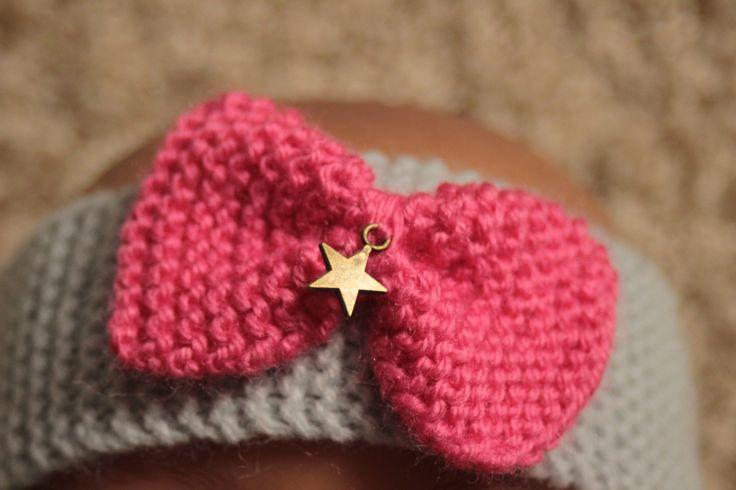 Bandeau au tricot , son noeud rose et sa breloque étoile : Mode Bébé par la-fee-selva