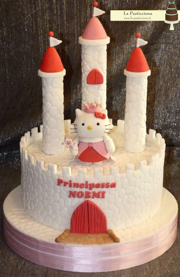 Torta con Hello Kitty Principessa e il suo castello www.la-pasticciona.it