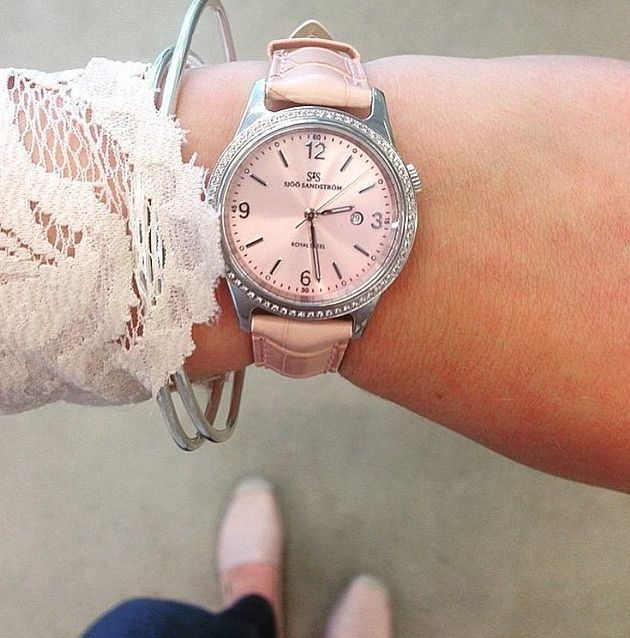 Sjöö Sandström Royal Steel Classic, pink alligator, diamond bezel. 32 mm.   #sjoosandstrom #sjöösandström #watch #watches #classic #diamonds #pink #ladies #woman