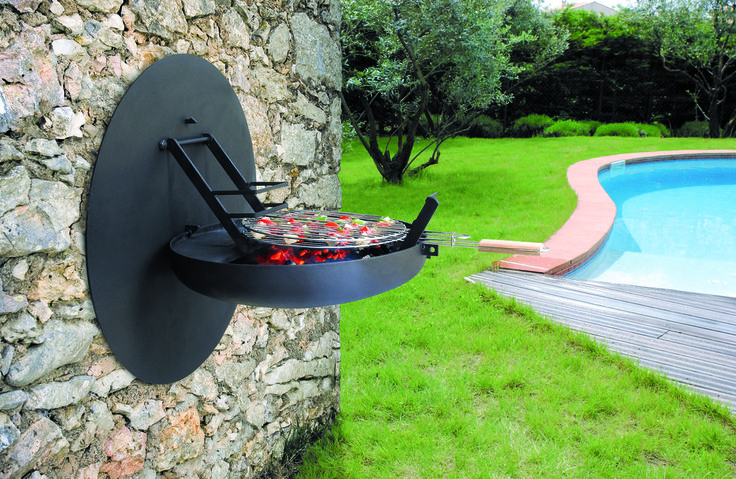 Super cool wall mounted grill, BBQ, Barbecue. By: ELEMENTO 3 / SAFRETTI/ HORUS/ ALPHENBERG/ FOCUS/ JESS/ OI SIDE