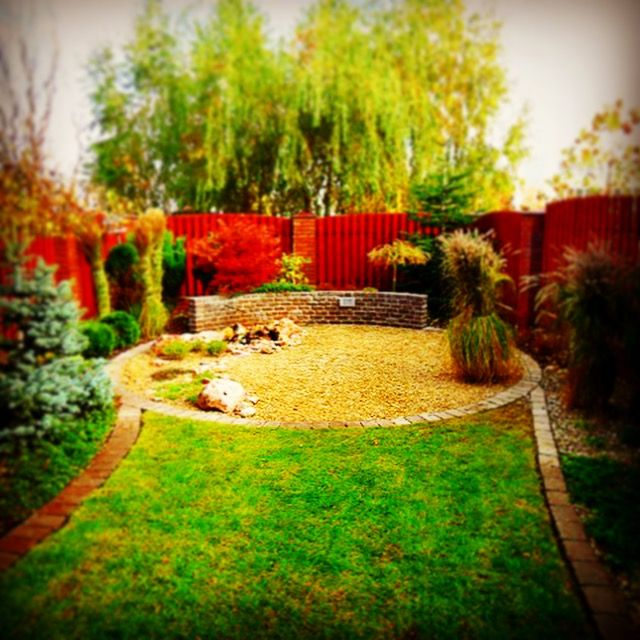 Plac w ogrodzie