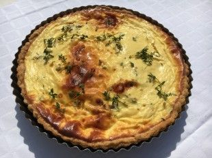 Roasted red pepper and goat cheese tart - This very summery tart is perfect for lunch!