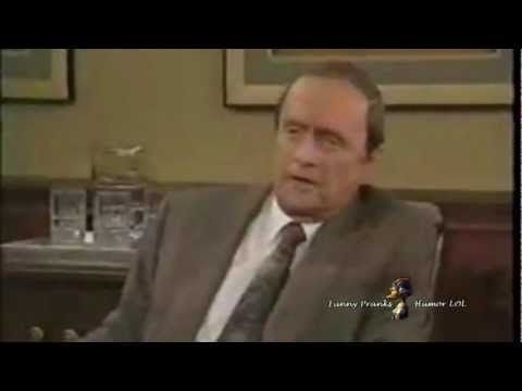 Hoe simpel kan het zijn: STOP IT! ▶ Bob Newhart & Mo Collins - Hilarious Skit - Stop It - YouTube