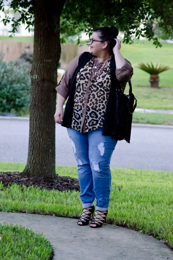 Forever 21 jeans, mimi boutique, denim, leopard, schutz arieli, plus size fashion blogger