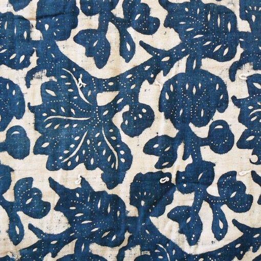 Rare early American indigo resist-dye quilt #indigo #quilt #american