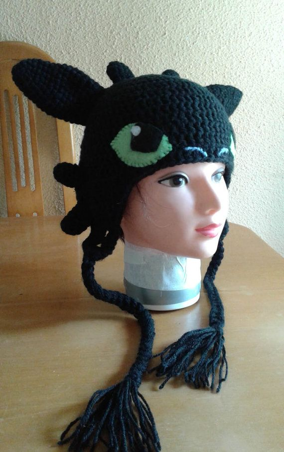 Cute crochet hat of Toothless. Adorable gorro by LeChatTurquoise