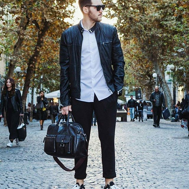 @raffaele_pone & his BUDDY #BestBuddies  #mensbag #autumn #fashionformen #man #bag #leatherbag #style #fashion #menwithclass #menwithstyle #streetstyle #PICARD #picardbag