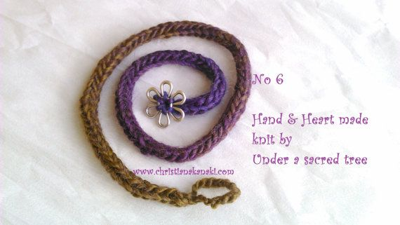 Hand & Heart knitted bracelet with metal by Underasacredtree
