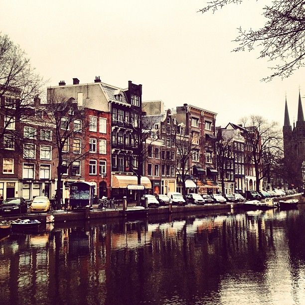9 Straatjes in Amsterdam, Noord-Holland - Although not obvious, these are nine intersecting streets located just west of the city centre that are home to many independent and interesting shops. Get a coffee and browse :) #travel #traveltips #fashion #shopping
