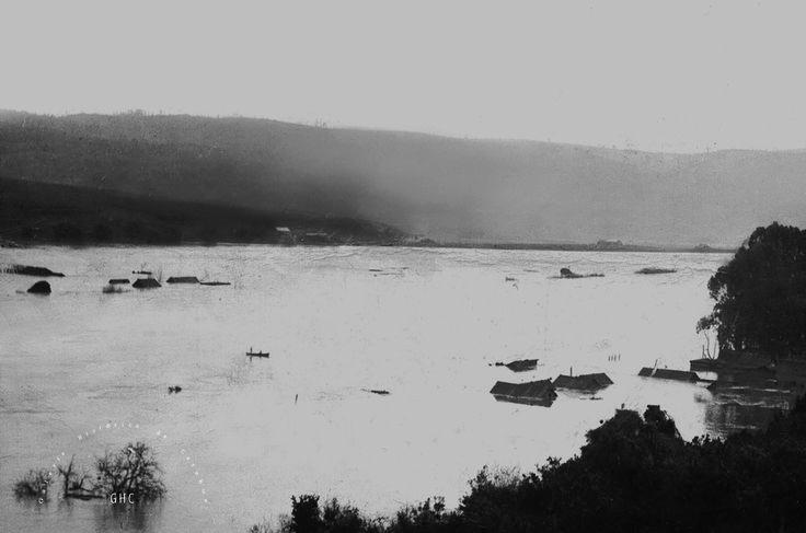 Galería Histórica de Carahue. Historia Fluvial: Inundación de 1922 ----#reverside------#ghc #carahue #memoria #patrimoniofotografico #galeriahistoricadecarahue #jolaver #jorgeolaveriveros #paranoxiarec