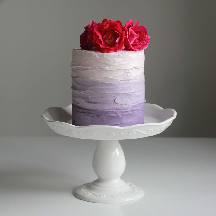 http://ohsweetday.com/2013/06/purple-ombre-cake-with-blackberry-compote.html