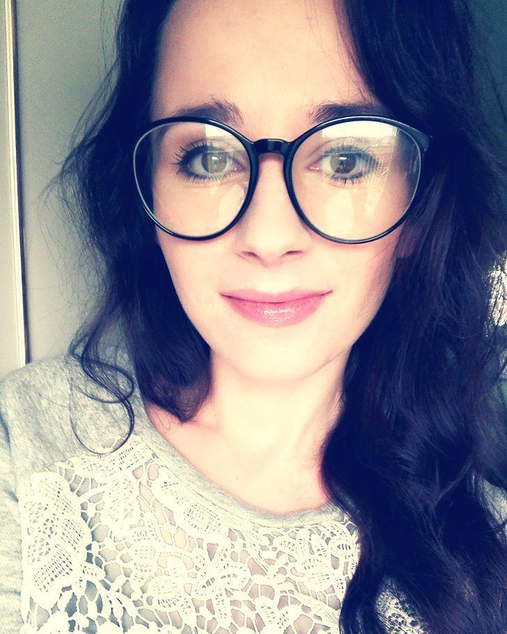 Tak wyglądają efekty mojej pierwszej w życiu zabawy w konkurowanie plus oksy- żeby już całkiem nie wyglądać jak ja #kobietazmiennajest #me #ja #blogerka #hairblogger #selfie #oksy #brylove #bryle #okulary #glasses #conturing #makeup #selfietime #hairstylist #hairstylistlifestyle #polskablogerka #polishgirl
