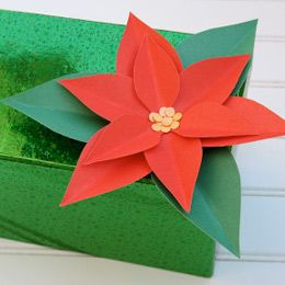 Rosetta's Paper Poinsettias: Paper Poinsettias, Poinsettia Paper, Girls Scouts Crafts, Easy Crafts, Rosetta Paper, Paper Flowers, Poinsettia Crafts For Kids, Paper Poinsettia Christmas, Christmas Ideas