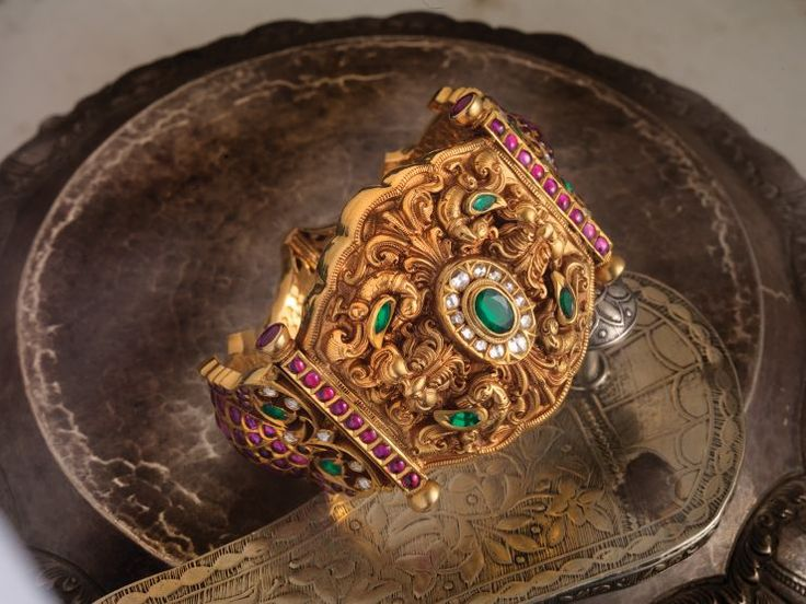 ruby_emerald_kada_from_navarathna_jewellers.jpg (740×555)