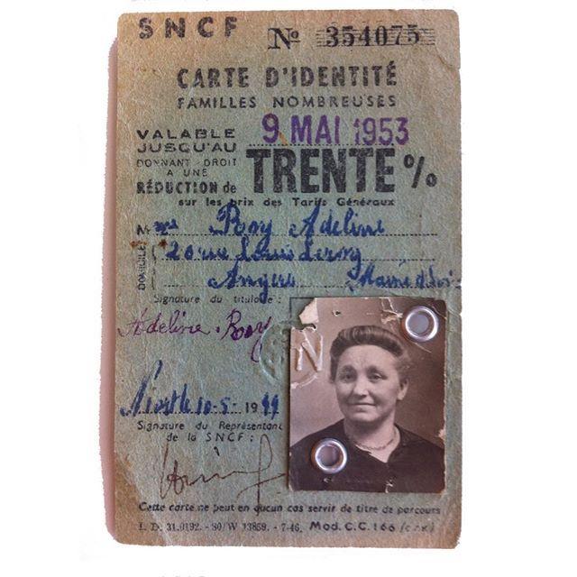 Carte SNCF de famille nombreuse de mon arrière arrière grand mère, retrouvée dans les papiers de famille. #ChallengeAZ