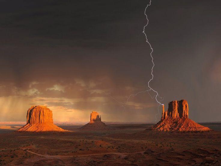 La Monument Valley è un pianoro di origine fluviale ubicato al confine